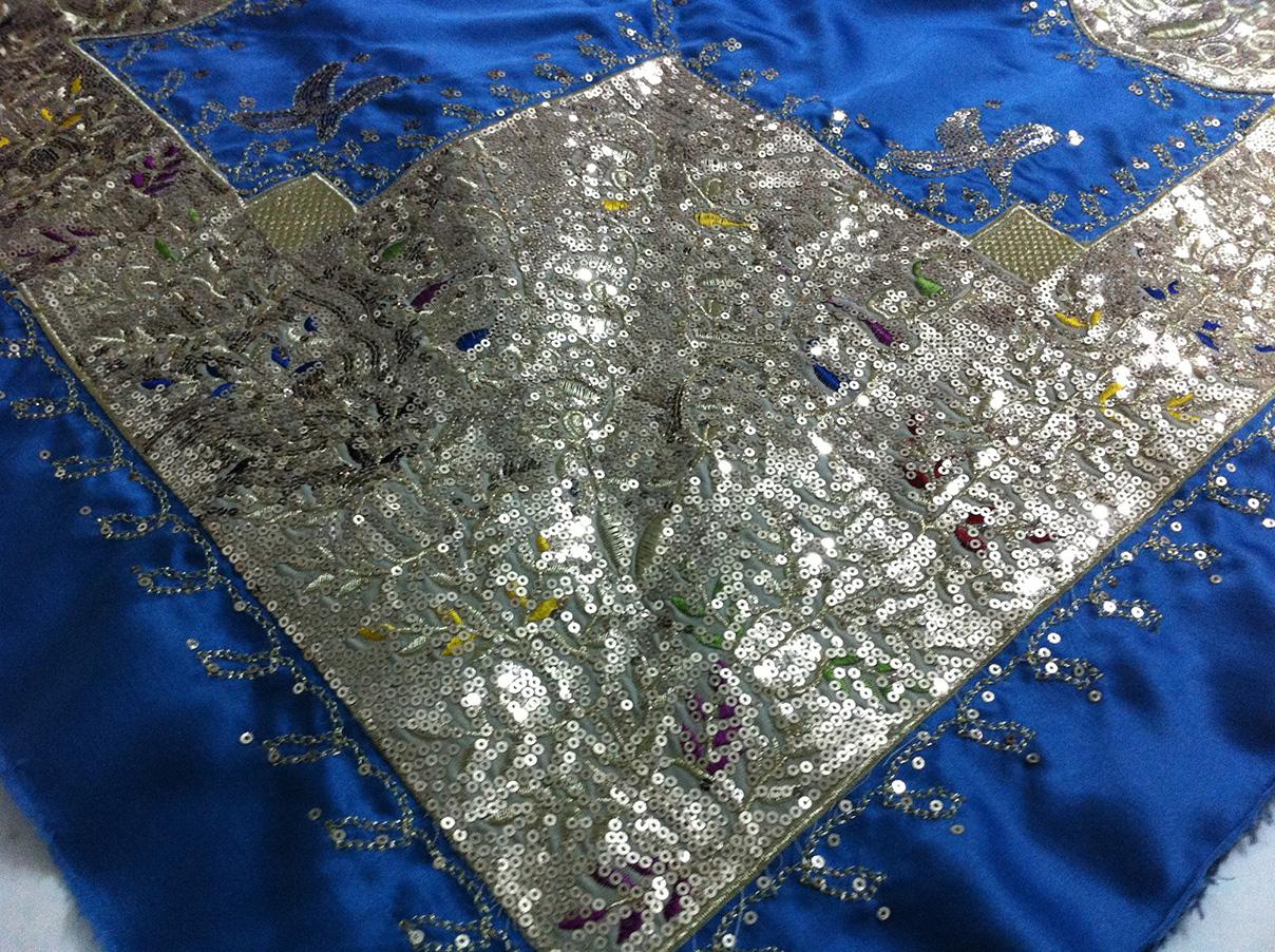 Παραδοσιακό μαντήλι, παγιέτες